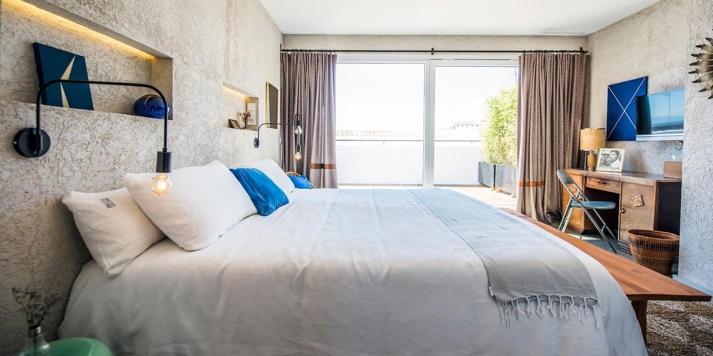 Superior-Deluxe-Room-with-terrace-and-seaview-kookhoteltarifa-02